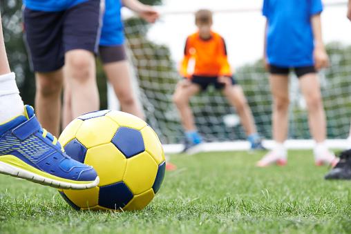 Fotboll som relationsbyggare över generationsgränserna